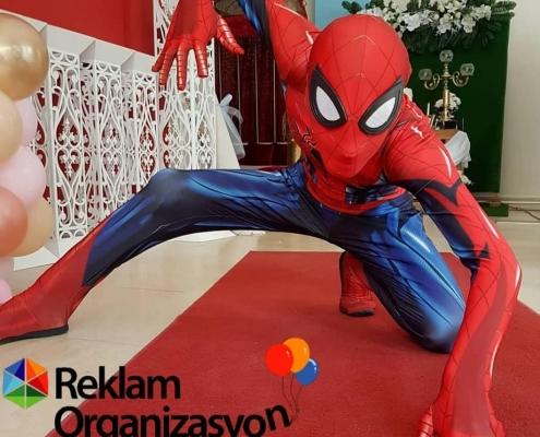 çizşi film karakteri örümcek adam
